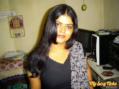 neha nair with bedroom pc