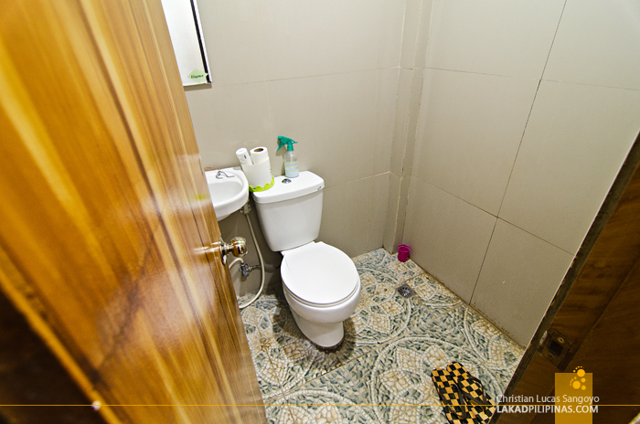 Lorenzo's Way Bed & Breakfast Toilet and Bath Tacloban