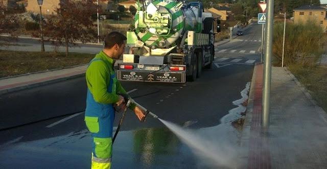 Baldeo de calles con camiones cisterna Madrid