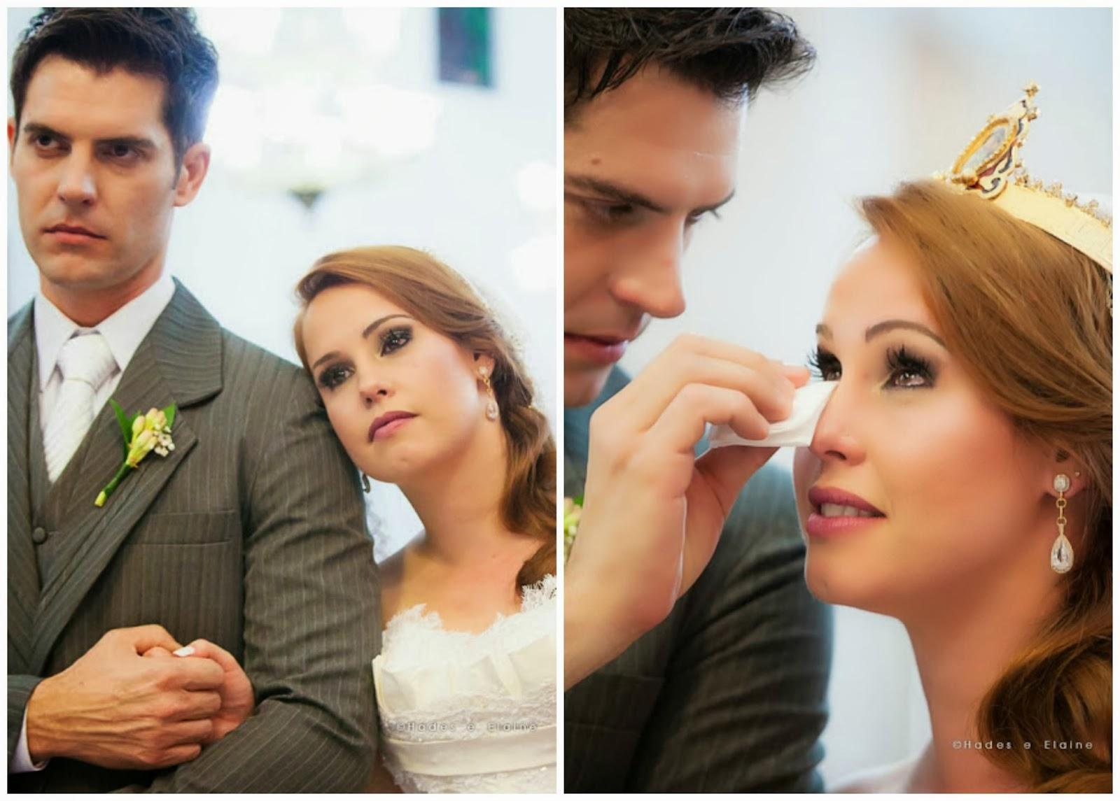 cerimônia - noivos - noivos emocionados - noiva chorando - lenço - lágrimas de alegria