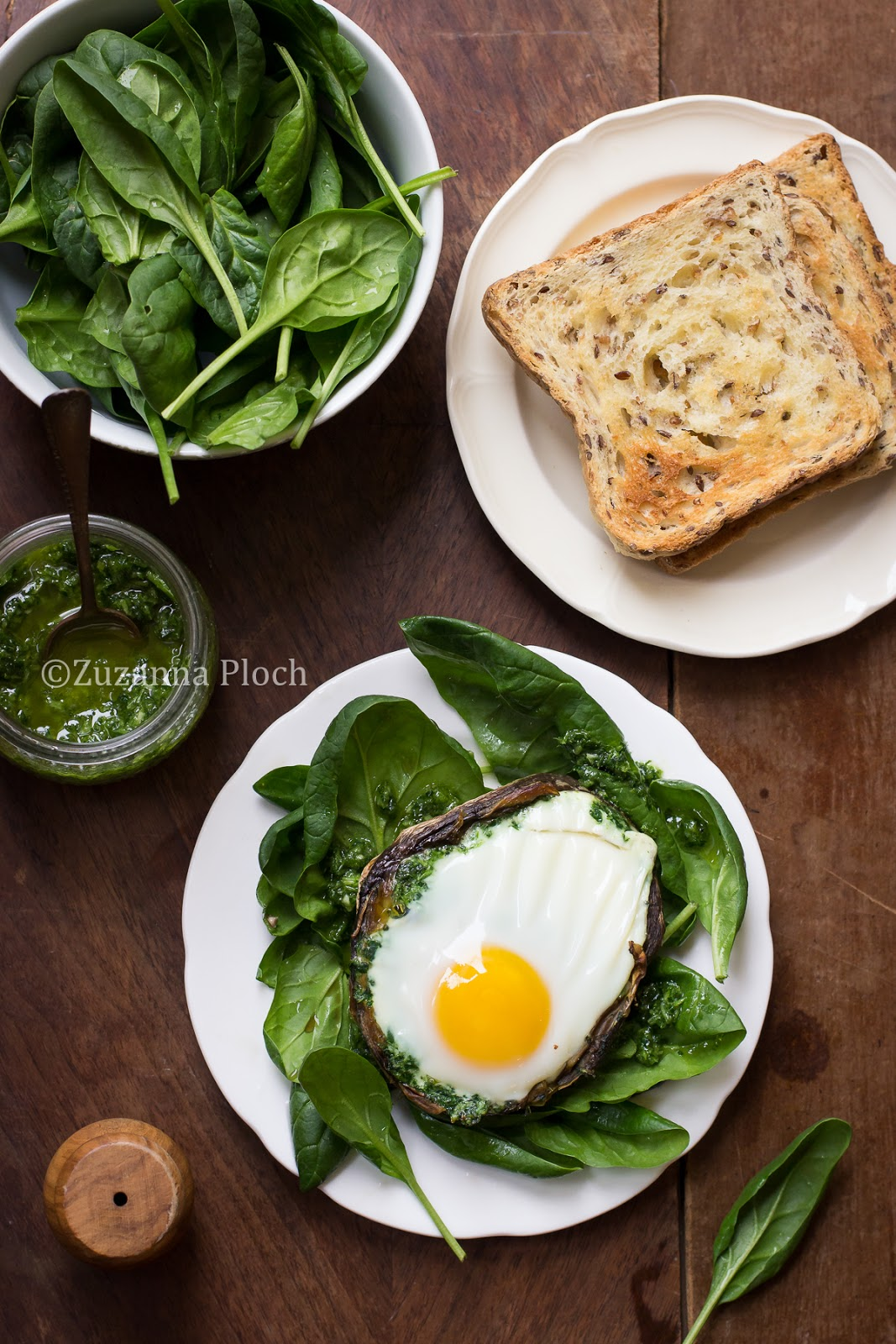 Egg in mushroom - food photgraphy by Zuzanna Ploch, fotografia kulinarna