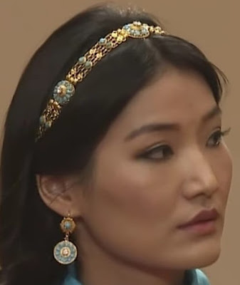 turquoise gold bandeau tiara bhutan queen jetsun pema