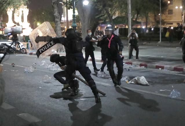 Thai police use tear gas, rubber bullets to break up protests