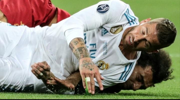 ما سبب تراجع الكرة الإسبانية أمام نظيرتها الإنجليزية في الآونة الأخيرة