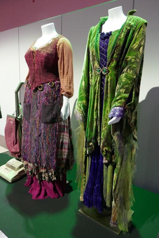 Hocus Pocus Mary Winifred Sanderson costumes