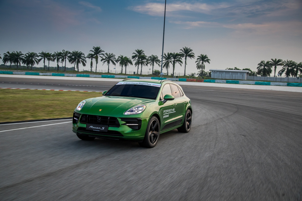 Motoring Malaysia 2019 Porsche Macan S Launched Prices Start At Rm625 000 Onwards