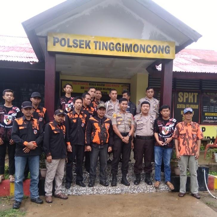 Ketua Pemuda Panca Sila  Cabang Malino  Bersama Warga Sambut Kedatangan Kapolsek Tinggi Moncong