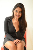 Neha deshpande new sizzling pics-thumbnail-16