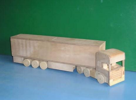 miniatur kontainer truk kayu