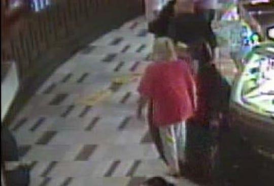 Perempuan Yang Terjatuh Karena Papan Petunjuk Di Sebuah Casino Di Ohio Memenangkan Gugatan 3 Juta Dollar AS