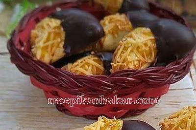 Resep Kue Kering Coklat Batang, Keju, Kacang
