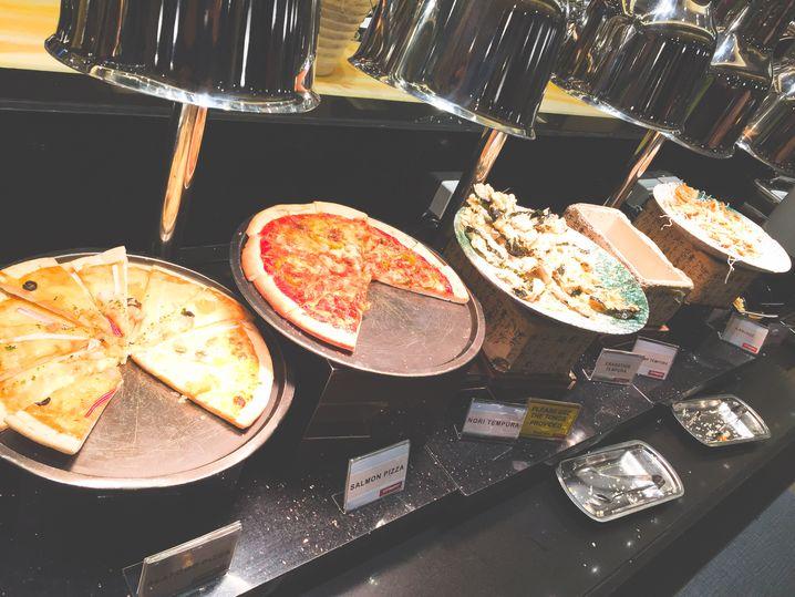 Pizza at City Buffet