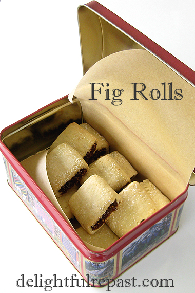 Oven-Dried Figs - How to Dry Fruit in Your Conventional Oven (this photo, Fig Rolls - Fig Newtons) / www.delightfulrepast.com