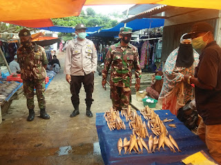 Patroli Gabungan TNI-Polri, Sekaligus Melaksanakan Penegakan Protokol Kesehatan Di Pasar Maroangin