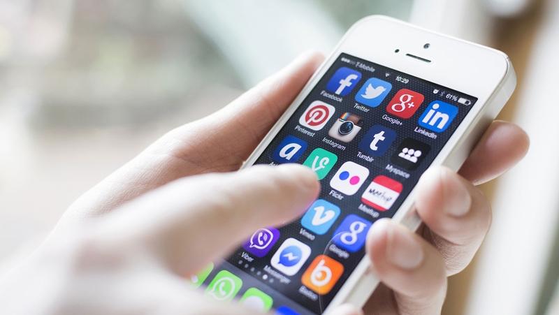 Araştırma: Haberi sosyal medyadan alıyor, TV kanallarına güveniyoruz