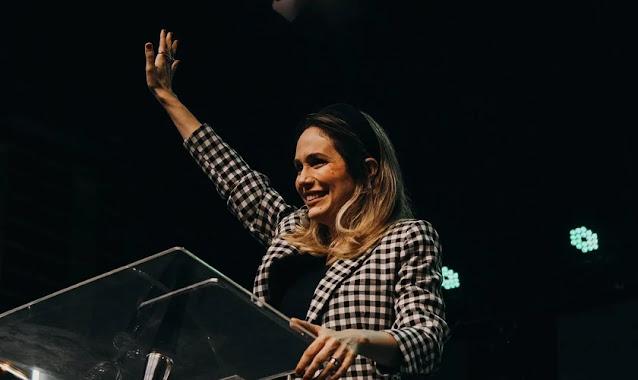 """Pastora ensina o segredo bíblico para superar a rejeição: """"Conhecer o real amor de Jesus"""""""