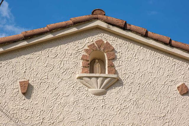 Uma casa bem bonita no Ahú - detalhe capelinha
