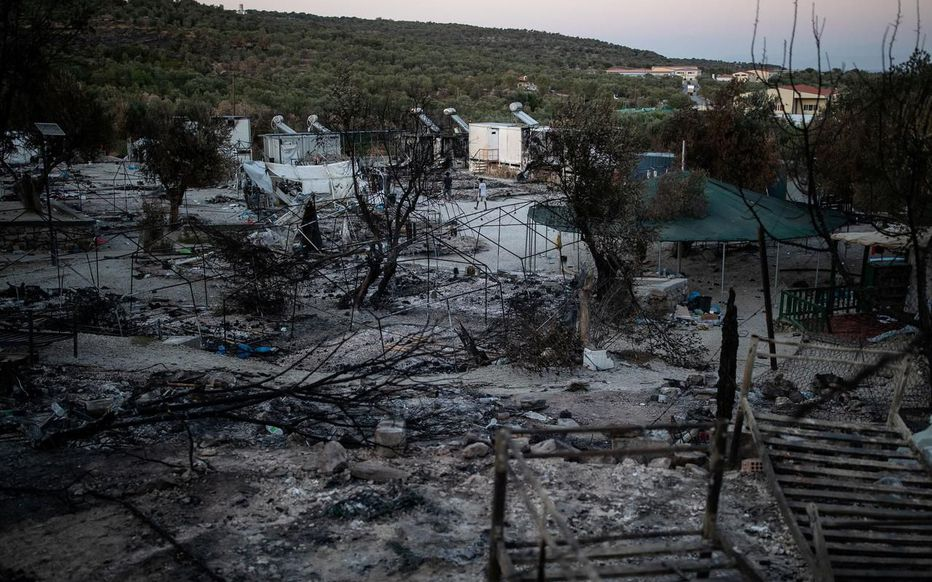 Incendie à Lesbos : cinq migrants arrêtés, un sixième en fuite