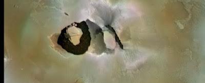 Voyager 1 image of the Loki patera.