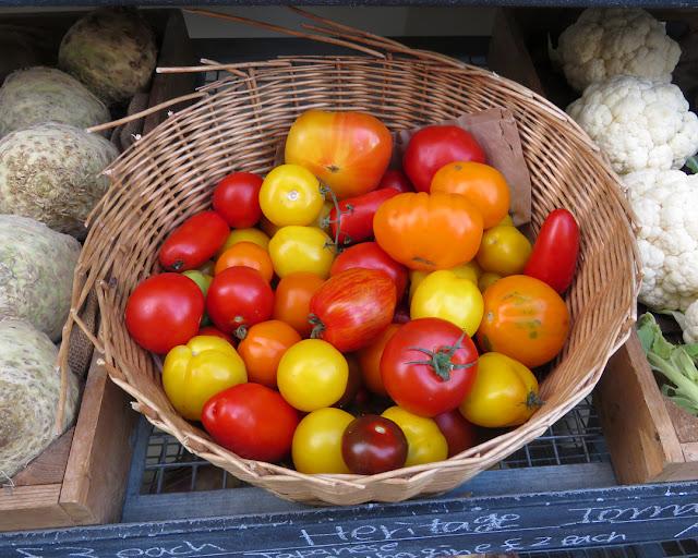 Heirloom tomatoes (heritage tomatoes), Holland Street, Bankside, Southwark, London