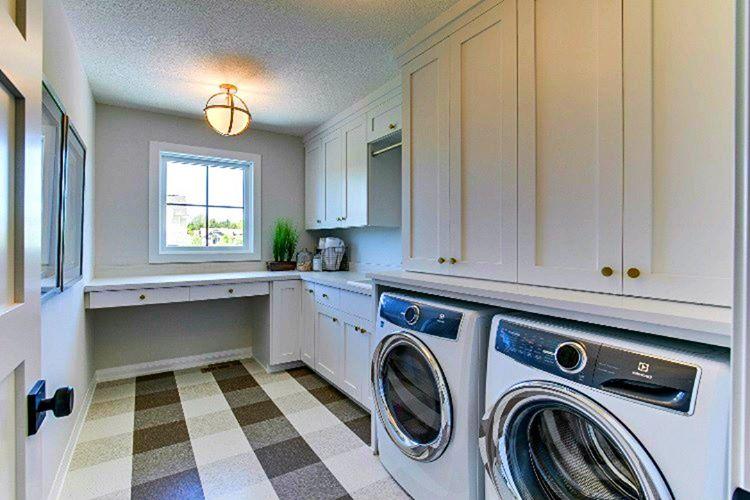 Kirli çamaşırları temizlemek için dahi özel odaları vardır, bu temizlik odalarında kocaman yıkama makineleri vardır.