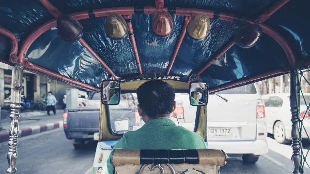 While Travelling On The Road - 5 Awesome Modes of International Transport