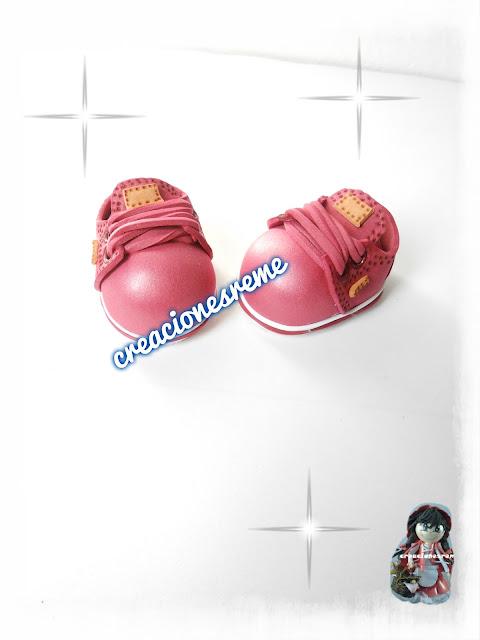 fofucha-creacionesreme-baloncesto-personalizadas-foami –la-mejorfofuchera-lamejor-fofucha-las-mejores-fofuchas-del-mundo-cuerpo-fofucha-tallado-con-forma-zapatillas-fofuchas-cabezas-pelo-corto-fofuchas