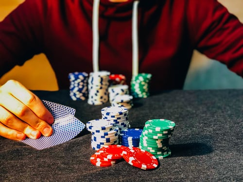 5 Benefits That You Can Enjoy by Playing Poker