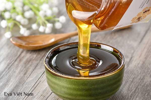 Cách làm mờ vết thâm mụn nhanh chóng bằng mật ong