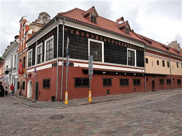 edificio piazza del municipio kaunas