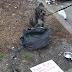 Anjing Ini Diikat ke Tempat Sampah, dan Memiliki Catatan Yang Menyedihkan. Sangat Sedih!