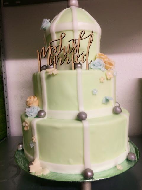 Bird cage wedding cake - Birdcage vintage wedding - Irish wedding in Bavaria, Riessersee Hotel Garmisch-Partenkirchen, wedding venue abroad