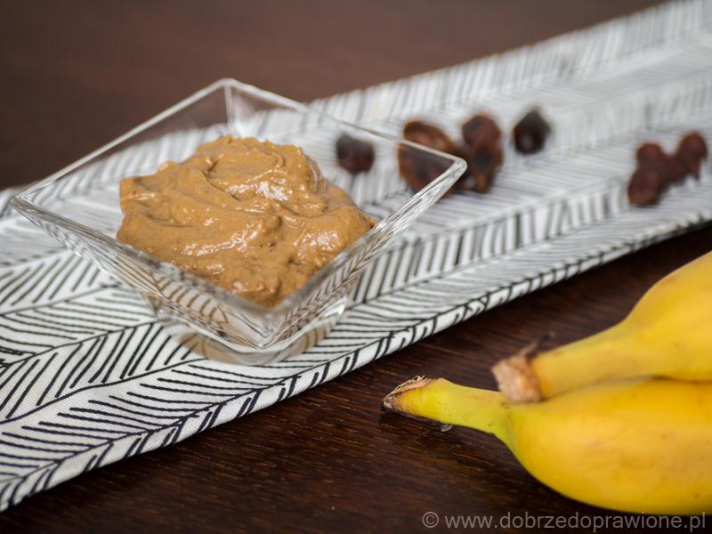 Krem z banana, awokado i daktyli, czyli domowa nutella