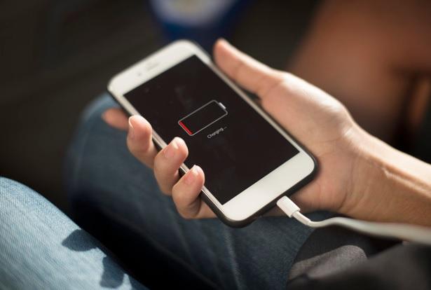 أفضل هواتف من حيث البطارية أفضل 10 هواتف ذكيه في أستهلاك وعمر البطارية أفضل 10 هواتف من حيث عمر البطارية لسنة 2020  أبرز8 هواتف ذكية تتمتع بأطول عمر للبطارية  أفضل هواتف 2020 من حيث عمر البطارية 10 هواتف في العالم بطارياتها تدوم طويلاً  هواتف من حيث البطارية أفضل هاتف من حيث البطارية 2020 أفضل بطارية موبايل سامسونج 2019 أفضل هواتف من حيث الأداء أفضل بطارية هاتف 2020 أفضل بطارية موبايل 2020 أفضل بطارية موبايل سامسونج 2020 افضل بطارية جوال تدوم كم تدوم بطارية 5000 mAh
