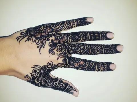 black-finger-mehndi-design
