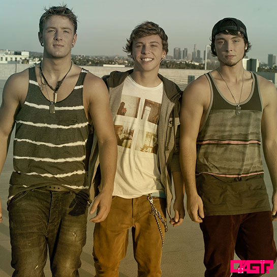 "Assista a ""Chloe (You're The One I Want)"", primeiro clipe dos garotos do Emblem3"