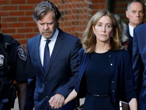 Elítélték Felicity Huffman amerikai színésznőt az egyetemi kenőpénzes botrányban játszott szerepéért