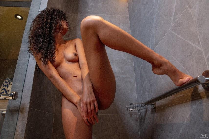 [Watch4Beauty] Mia Nix - I'm Hot In The Shower - Girlsdelta