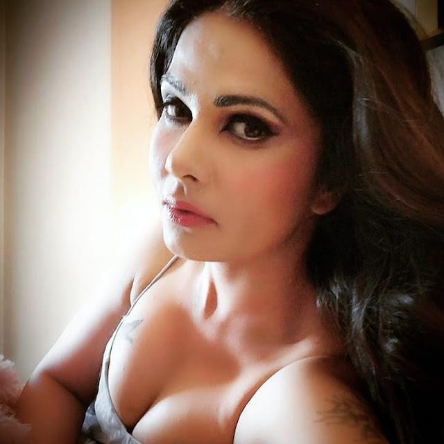Bollywood Actress Aabha Paul Hot Stills Actress Trend