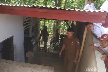 Miris! Tinggal di WC SD, Guru Honorer di Pandeglang Bergaji Rp 350 Ribu/Bulan