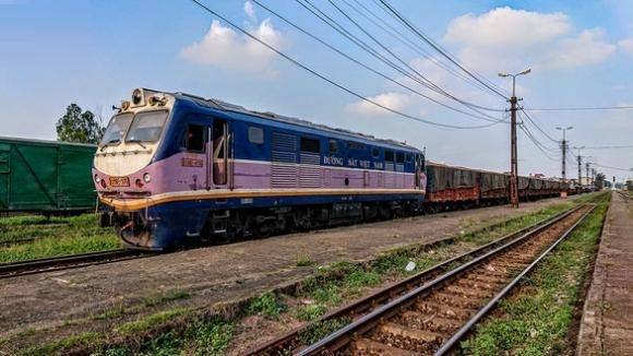 Có cần làm đường sắt Lào Cai – Hà Nội – Hải Phòng với vốn 'khủng' 100.000 tỉ đồng?