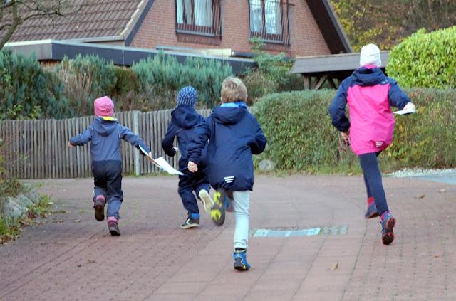 Piraten-Schatzsuche für Kinder ab 4 Jahren: Mit der Schatzkarte in der Hand geht es auf die Suche!