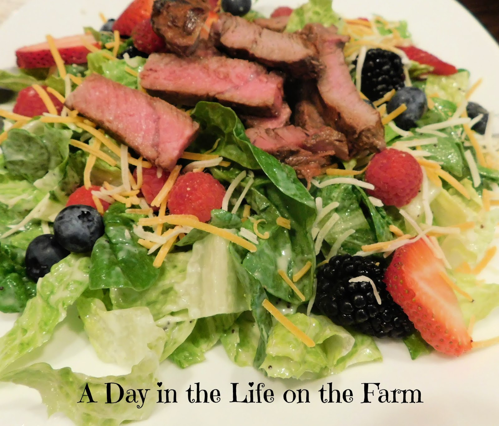 Spinach and Berry Salad with Grilled Steak