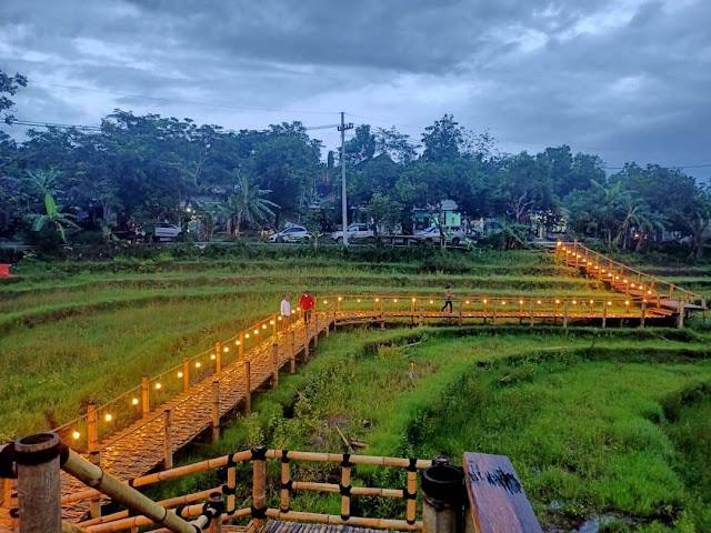 Tangga Langit Selo Panggung Kediri - Review Menu, Daya Tarik & Lokasi