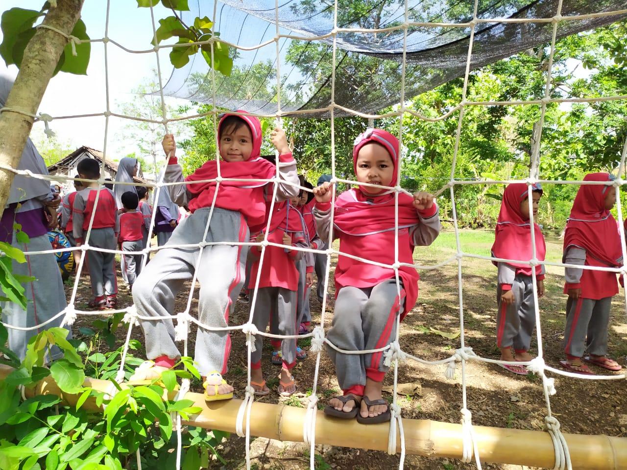 Wisata Agro Sayur Tegal Seruwan Gresik, dan Manfaat Outbound bagi Anak