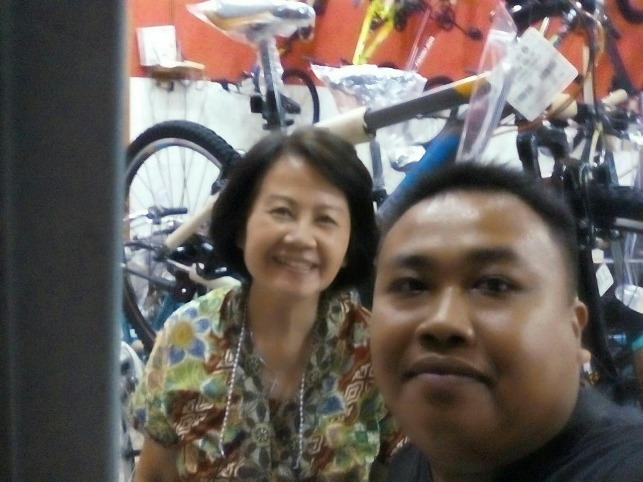 Bingung Memilih Sepeda Pilih Saja Polygon Cascade 2didik Jatmiko 4 Selfie Bareng Ibu Melwati Pemilik Toko Ramayana Cepu