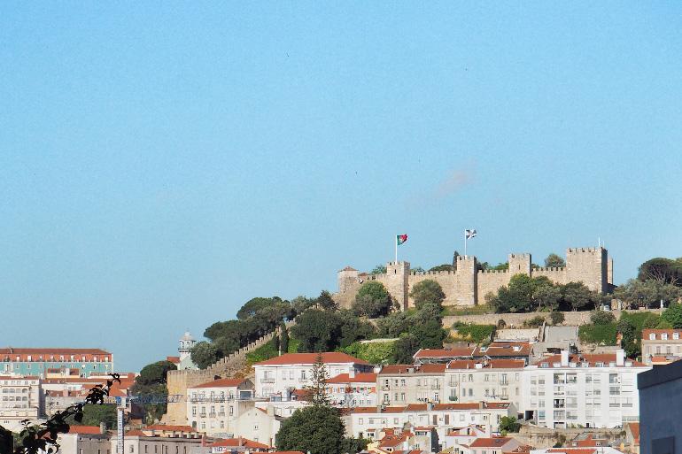 Le château de Saint-Georges sur les hauteurs de Lisbonne