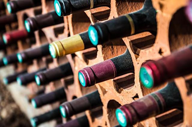 ¿Debería el sumiller probar el vino antes que el cliente?