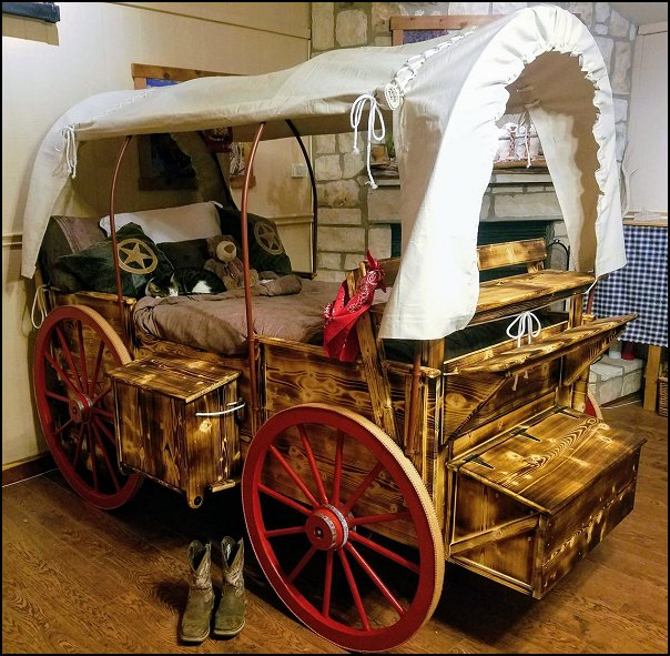 Covered wagon adventure bed for kids   covered wagon bed