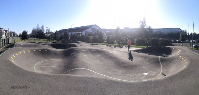 Vélizy pumptrack skate park